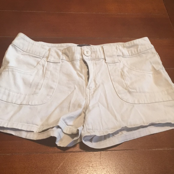 BeBop Pants - Cotton shorts with front pockets.